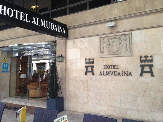 Almudaina Hotel: entrance