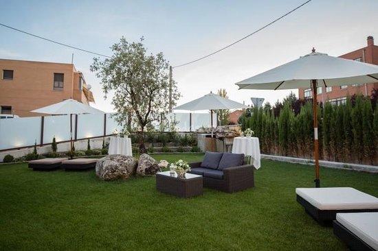 Villa de Ferias: Jardín de la carpa