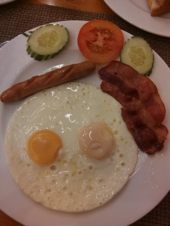 Tan Hoang Long Hotel: English breakfast