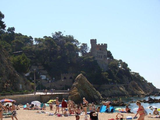 Hotel MoreMar: Вид с пляжа