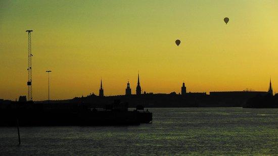 Elite Hotel Marina Tower: Vue sur Stockholm, le soir.