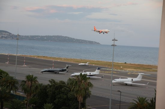 Premiere Classe Nice - Promenade Des Anglais : вид из окна номера