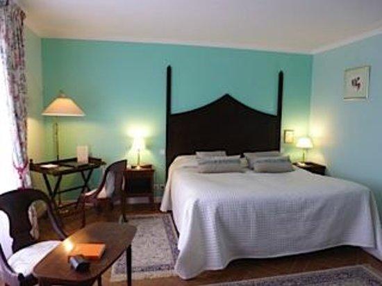 Le Chateau de Sully : Ground floor room in the Manoir