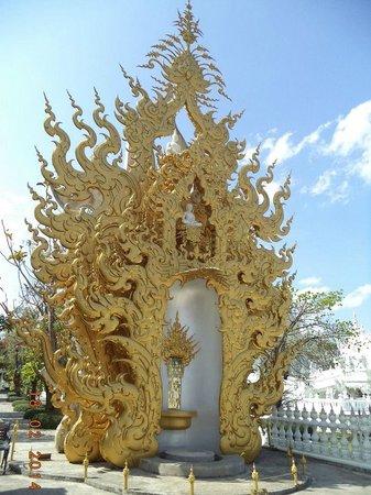 Wat Rong Khun: รูปแบบการสร้างเหมือนวัดสีขาว