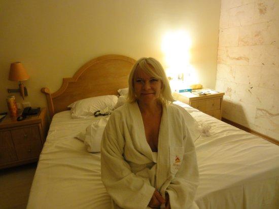 Atlantica Imperial Resort & Spa: The room inside