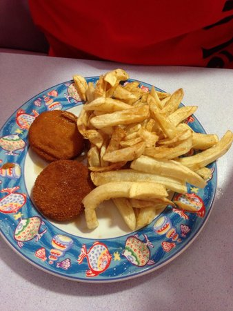 Truscotts: Nice plate of Fish cakes and chips