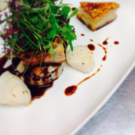 The Kings Head: Home Smoked Belly Pork with Black Pudding Mash