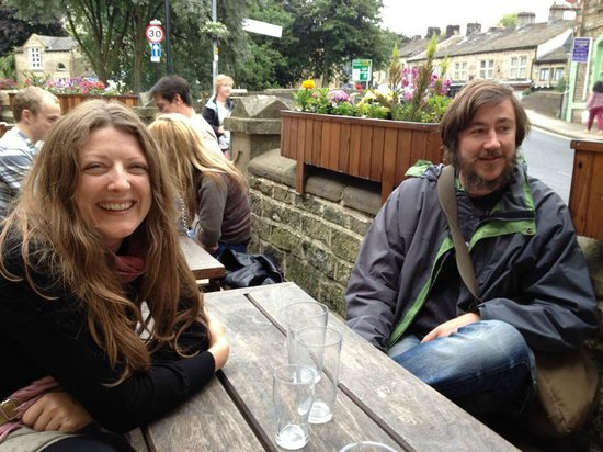 The Old Gate: Ali and James, new friends we met in the beer garden