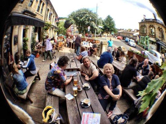 The Old Gate: Beer garden