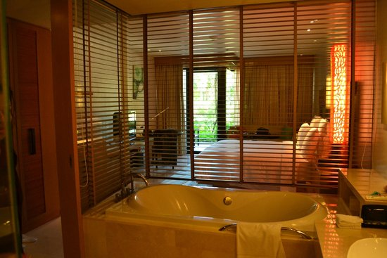 Renaissance Phuket Resort & Spa : Inside view of the room