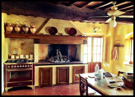 Villa la Selva: Tuscan Kitchen