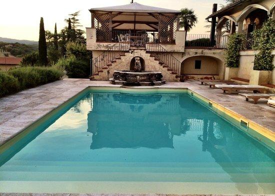 Villa la Selva: Pool at main villa