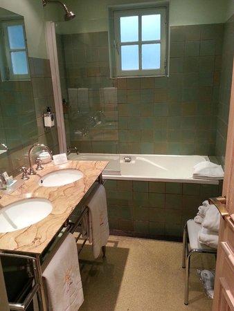 Cazaudehore et La Forestiere : salle de bain