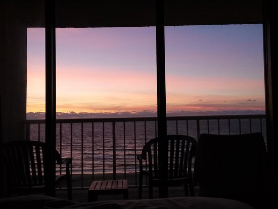 Beach Quarters Resort: view from the king-sized bed as the sun started to rise
