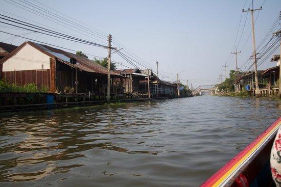 Damnoen Saduak Floating Market: Calmer waters.