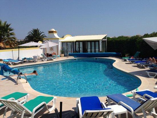 Vila Mimosa: Het zwembad