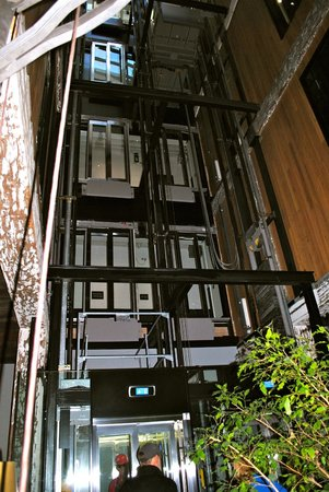 Ovolo 1888 Darling Harbour: elevator