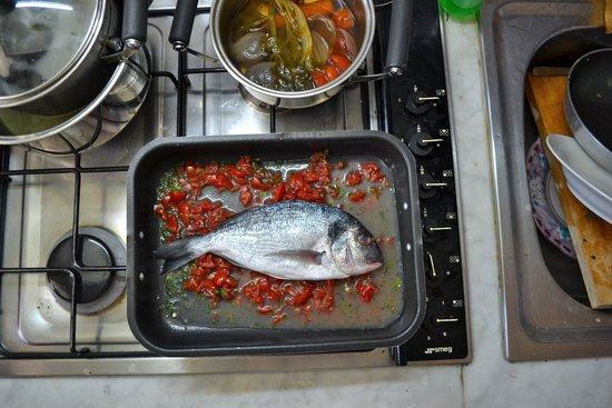 Cooking Class Vincenzino: Preparing the 4th course - fish