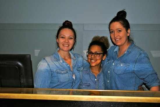 Ovolo 1888 Darling Harbour: friendly staff, happy to have their photo taken for Trip Advisor!