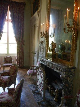 Les Trianons et le Hameau : Inside Petit Trianon