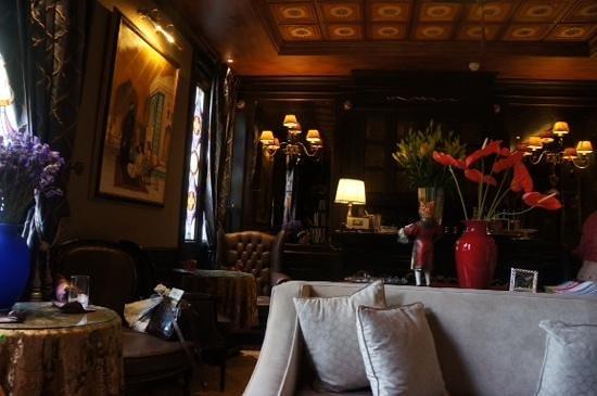 Hotel Moresco : parlor area
