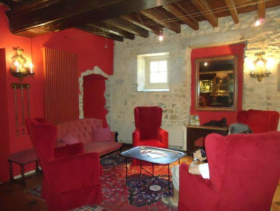 BEST WESTERN Hotel le Donjon: common lounge area
