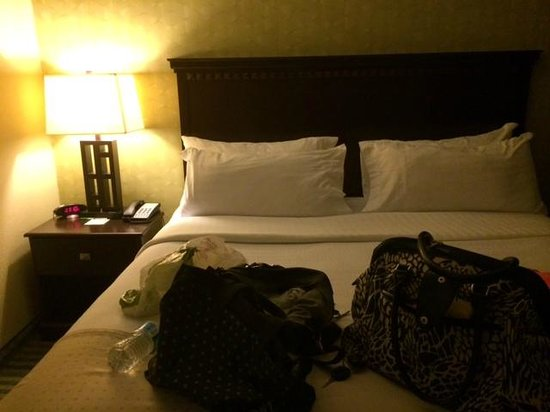 Holiday Inn Columbia East : King size bed, just for me! : ) AWESOME.