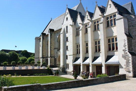 Château d'Angers : Royal houses