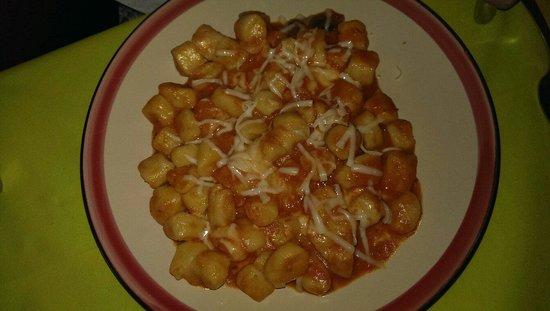 Osteria Dei Ghiotti: Gnocchi pomodoro e pecorino