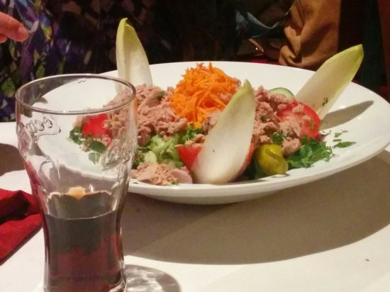 Athena Restaurant Grec: Tuna salad