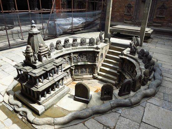 Place Durbar (centrale) à Patan : 以前的浴池