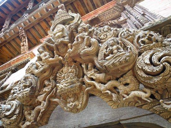 Place Durbar (centrale) à Patan : 特別的雕刻