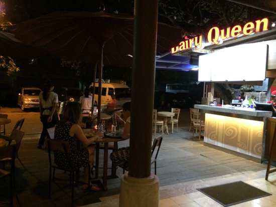 Warung Bendega Ubud: Look for the 'Dairy Queen' sign - it's on the same block.
