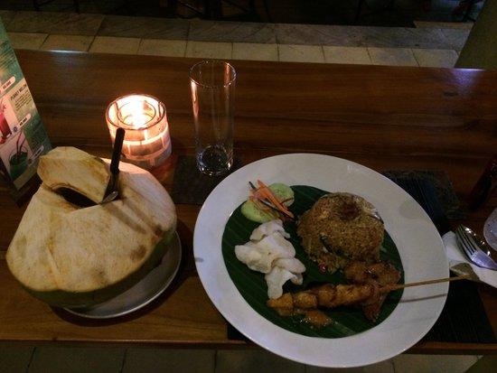 Warung Bendega Ubud: The standard fare - nasi goreng