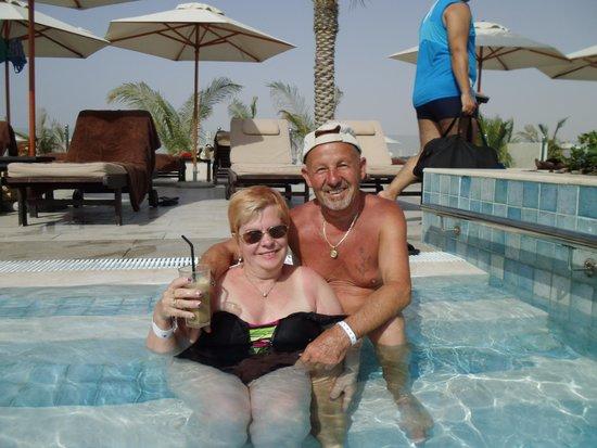 DoubleTree by Hilton Resort & Spa Marjan Island: im Pool