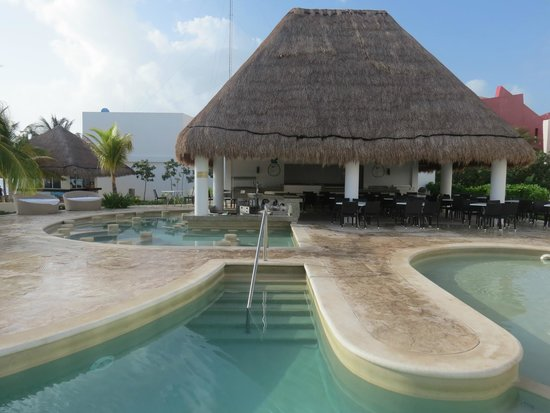 Cancun Bay Resort: El Bar Excelente!!