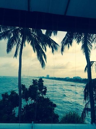 Mount Lavinia Hotel : view back to Colombo