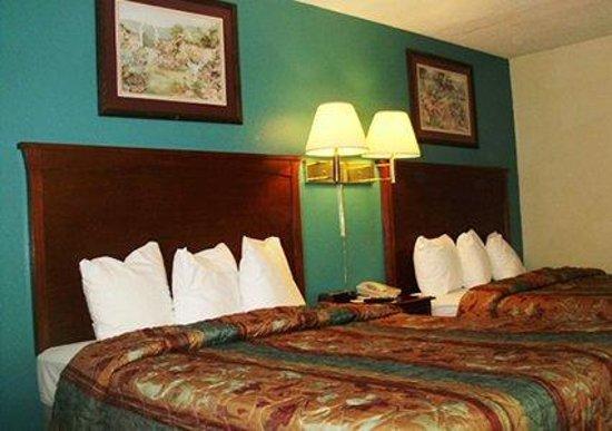 Econo Lodge: Double Queen room