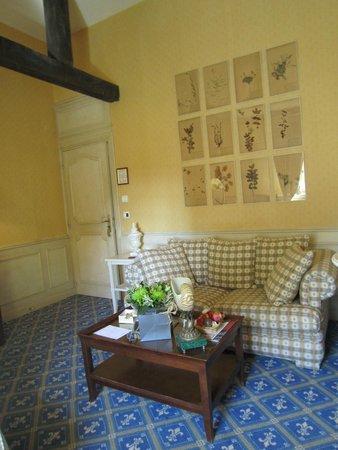 Château de Courcelles: Living room side of Junior Suite