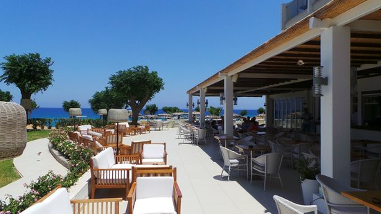 Pernera Beach Hotel : View from the pool bar area