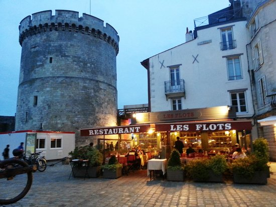 restaurant les flots la rochelle picture of les flots la rochelle tripadvisor. Black Bedroom Furniture Sets. Home Design Ideas