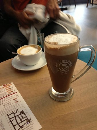 The Coffee Bean & Tea Leaf: Dark chocolate latte