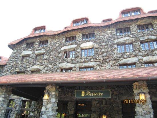 The Omni Grove Park Inn: front of the Grove Park Inn