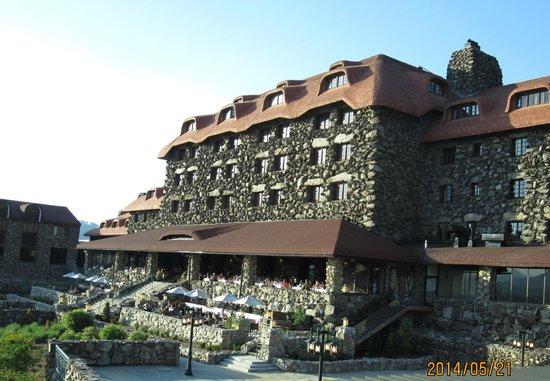 The Omni Grove Park Inn: back of the Grove Park Inn