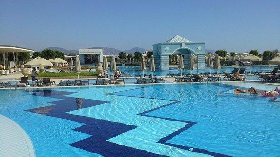 Hilton Dalaman Sarigerme Resort & Spa: zwembad