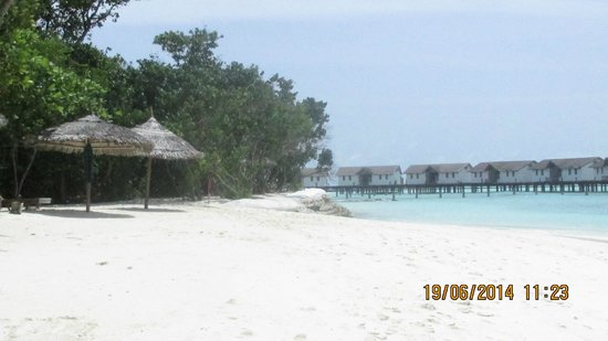 Reethi Beach Resort: Water villas on the East side of the island