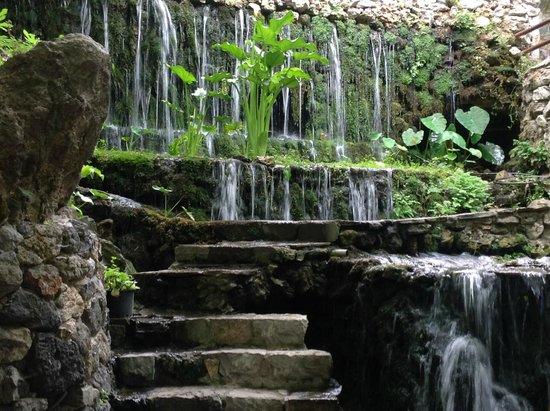 Piges Argiroupolis: Водопад