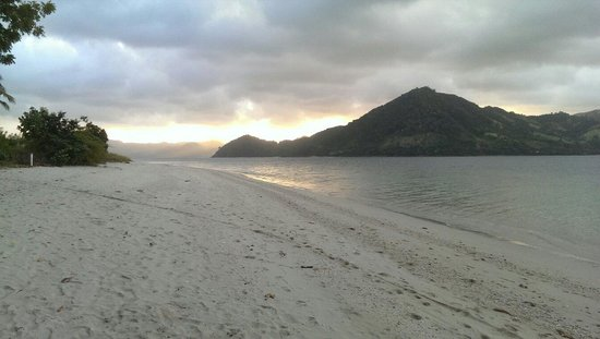 The Lodge @ Belongas Bay: Sunset