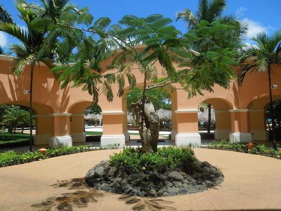 Iberostar Hacienda Dominicus : hotel block interlinking area