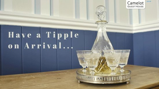 Camelot Guest House: Enjoy a Tipple on Arrival